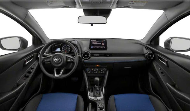 excellent-interior-of-toyota-yaris-2020