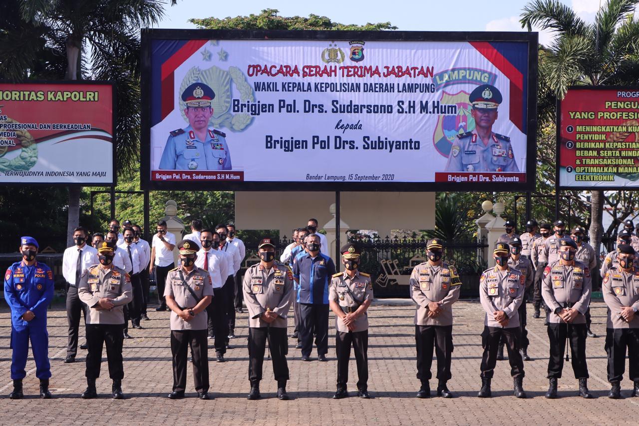 Kapolda Lampung Irjen Pol Drs. Purwadi Arianto M.Si., pimpin sertijab Wakapolda Lampung. Selasa, 15 September 2020.