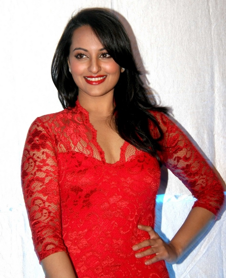 Sonakshi Sinha Legs Thighs Photos In Mini Red Dress At FHM Celebrations