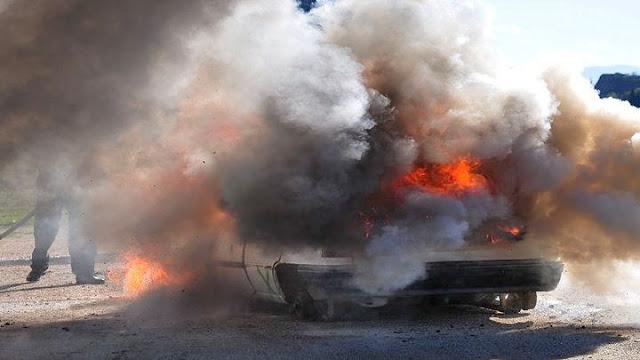 Σοβαρό τροχαίο στην Εθνική οδό Τριπόλεως - Αθηνών με το αυτοκινητο να τυλίγεται στις φλόγες