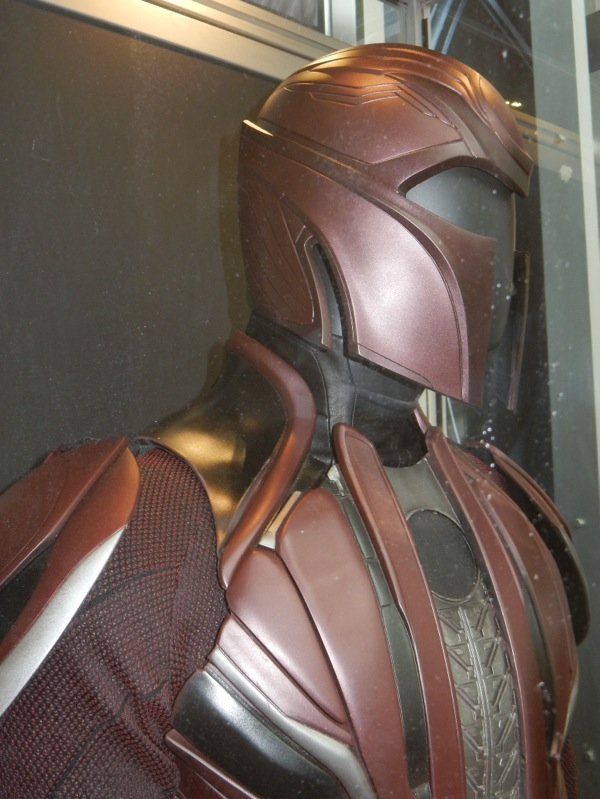 Magneto costume detail X-Men Apocalypse