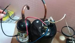 Memasang rangkaian kabel kompresor AC split
