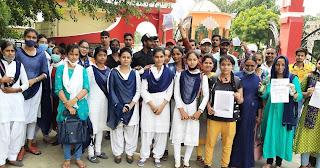 बीएड छात्रों ने प्रयोगात्मक व मौखिकी परीक्षा को लेकर किया प्रदर्शन    #NayaSaberaNetwork