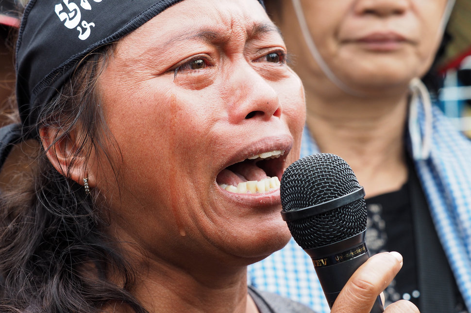 35 Photos Of Protesting Women That Portray Female Power - Cambodia
