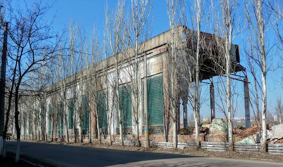 Славянск. Донецкая область. Руины арматурно-изоляторного завода