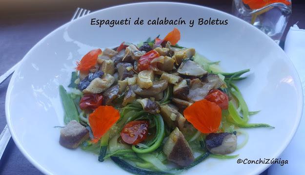 Espagueti De Calabacín Con Verduras Y Boletus
