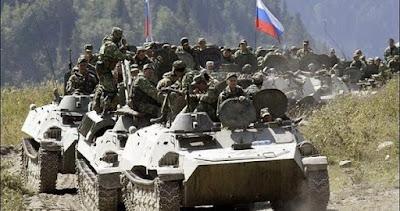 تعزيزات عسكرية روسية ضخمة تتجه من حميم إلى درعا جنوباً