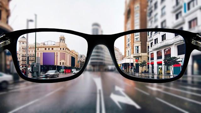 VIDEO: Oculista muestra cómo un miope ve el mundo