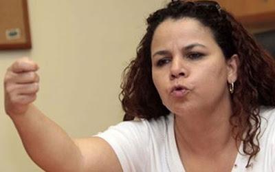 Iris Varela: Quisiera ver la cara de los que botaron y quemaron los billetes de Bs 100