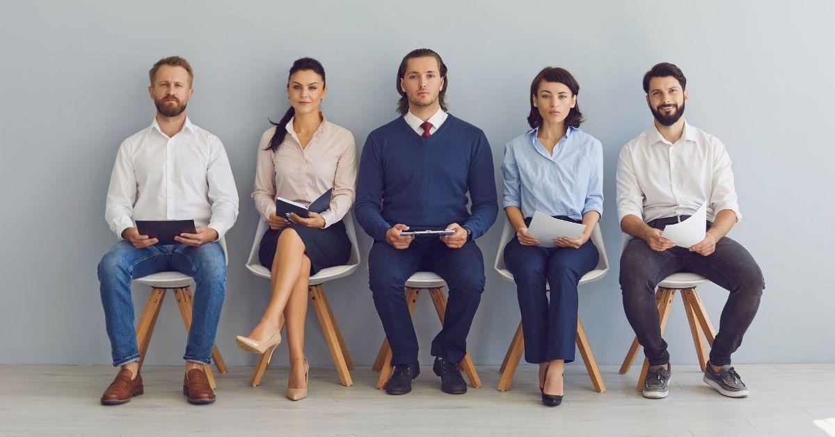 وظائف لا تحتاج إلى شهادة أو ترخيص للعمل