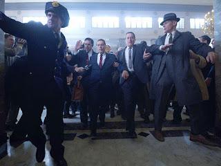 Al Pacino como Jimmy Hoffa y De Niro como Frank  Sheeran en la película El irlandés
