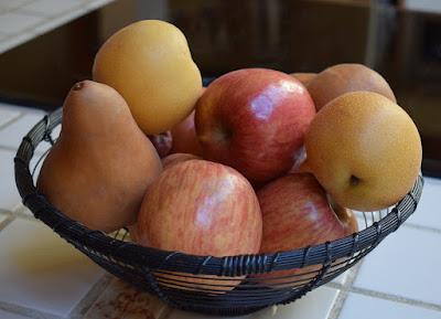 buah apel dan pir
