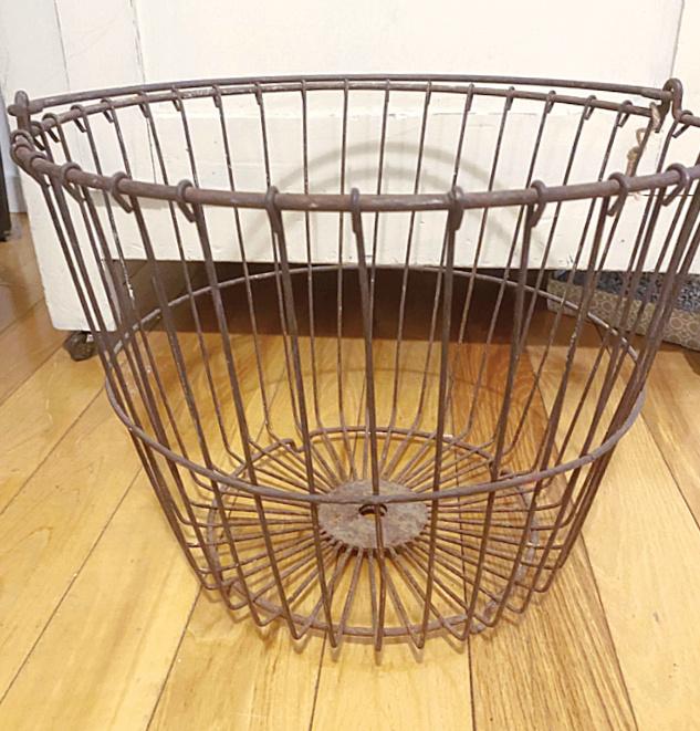 vintage clam basket