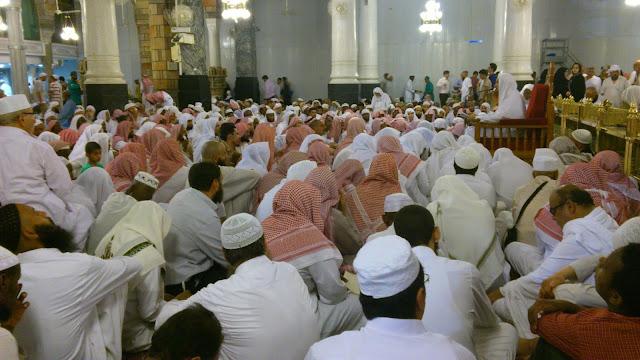 majlis ilmu di masjid nabawi