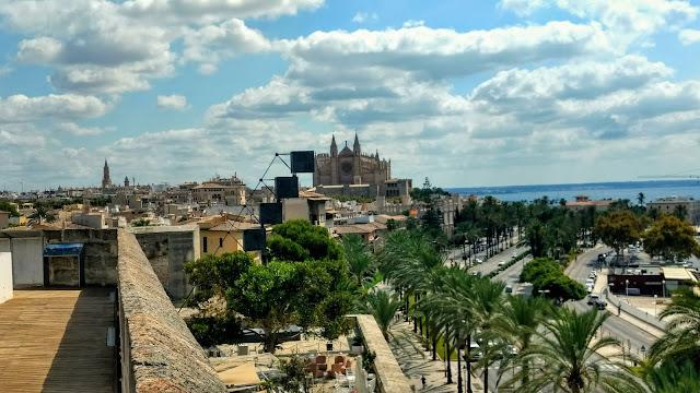 GRAN turismo VIAJA por TODO el MUNDO. Catedral de Santa María Palma de Mallorca