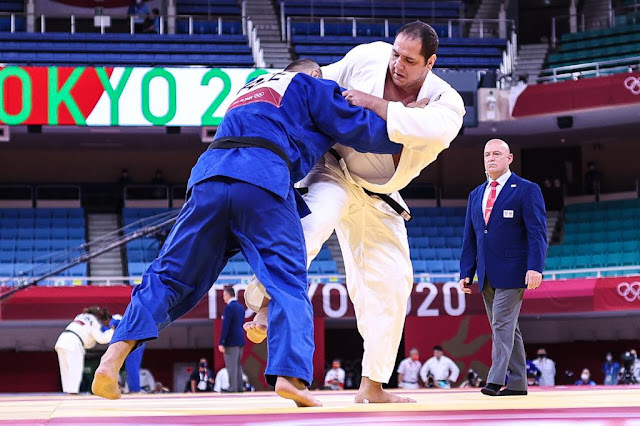 Rafael Silva em luta na Nippon Budokan em Tóquio