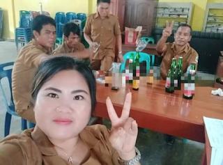 Habis Cairkan Dana Desa, Ibu Kades dan Staf Pesta Miras dan Goyang Tiktok di Kantor Desa