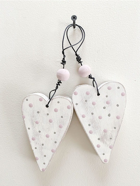 2 rustic hearts with wire hangers