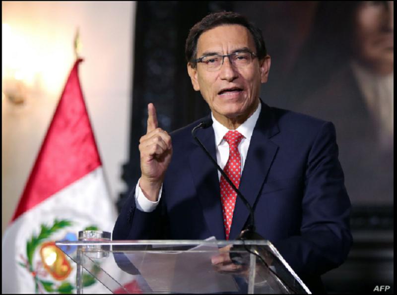Imagen del volante difundido por la Presidencia peruana que muestra al presidente Martín Vizcarra dando un mensaje televisado a la nación en Lima, el 10 de septiembre de 2020, en medio de crisis política por supuestamente intentar obstruir investigación / AFP