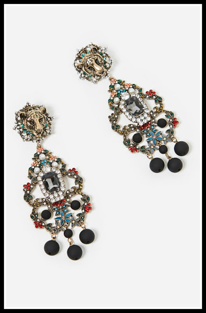 statement earrings, chandelier earrings