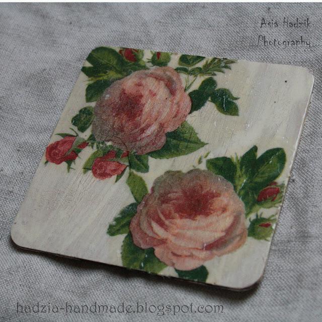 730. Różana podkładka z różami