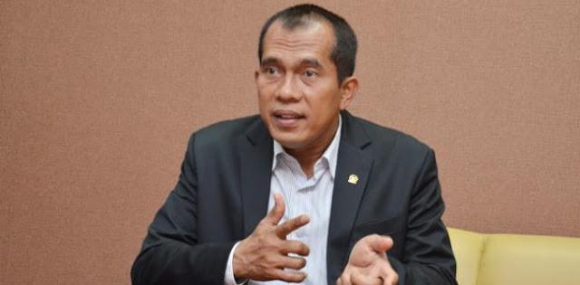 Pangdam Perintahkan Prajurit Turunkan Baliho Habib Rizieq, Pimpinan Komisi I: Terus Terang Saya Gagal Paham