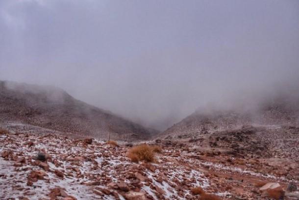 Subhanallah, Kembali Terjadi Salju Turun Di Utara Arab Saudi