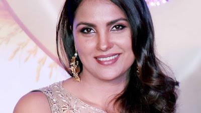 Lara Dutta hot