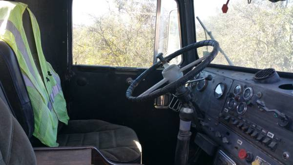 2000 Kenworth W900 Interior