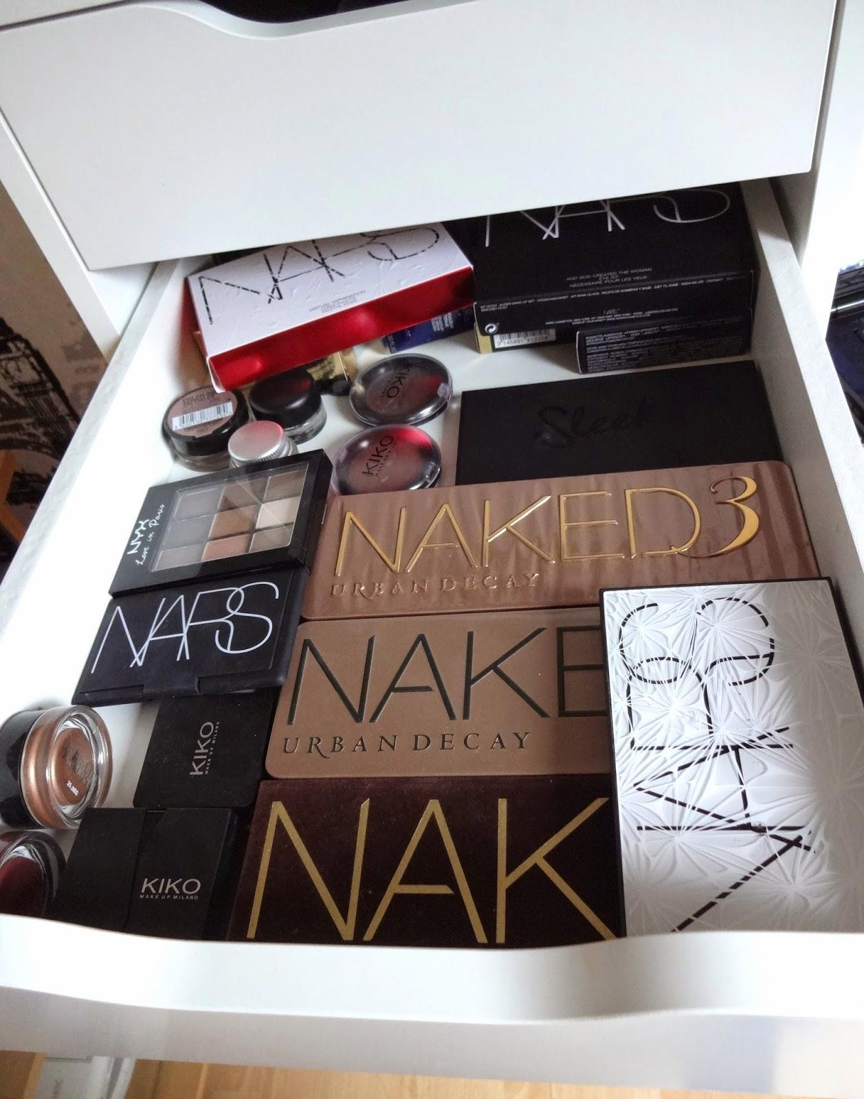 le carnet de fanny mon rangement maquillage. Black Bedroom Furniture Sets. Home Design Ideas