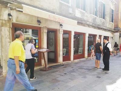 La pizzeria che ha preso il posto della Libreria Francese