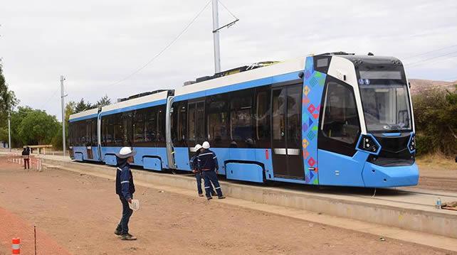 Gobierno garantiza continuidad de obras del tren de Cochabamba y anuncia auditoría financiera