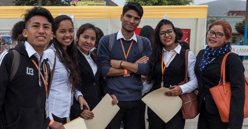 Fundación Forge otorga más de 600 becas para formación de jóvenes entre 18 y 24 años