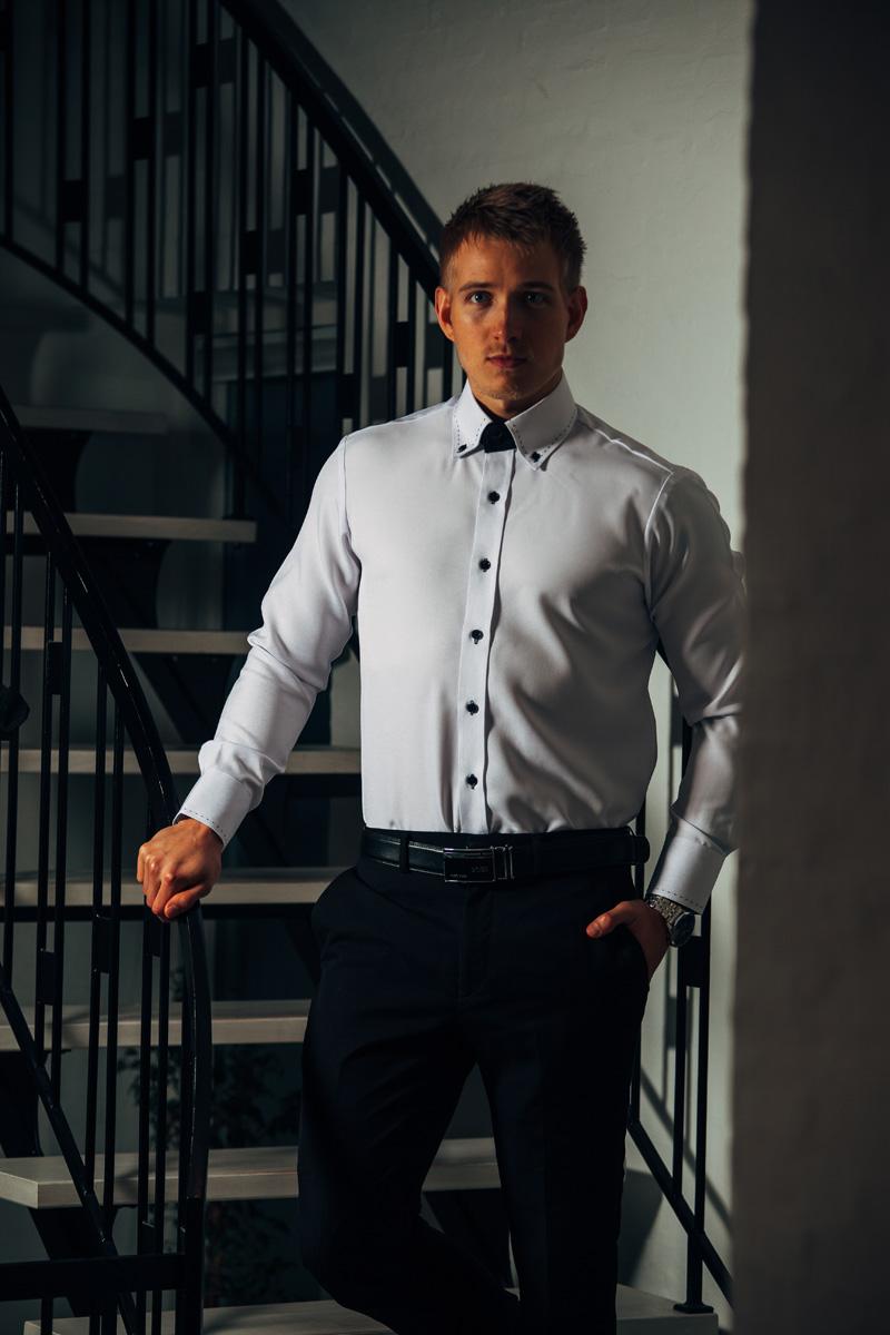 e1934eba611 Står du og mangler noget business og moderigtigt tøj til dig selv eller til  din mænd? Så skulle du måske overveje se læse nærmere her.