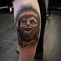 tatuaje para halloween annabelle a color