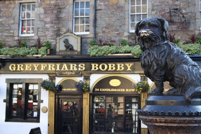 greyfriars bobby statue story edinburgh