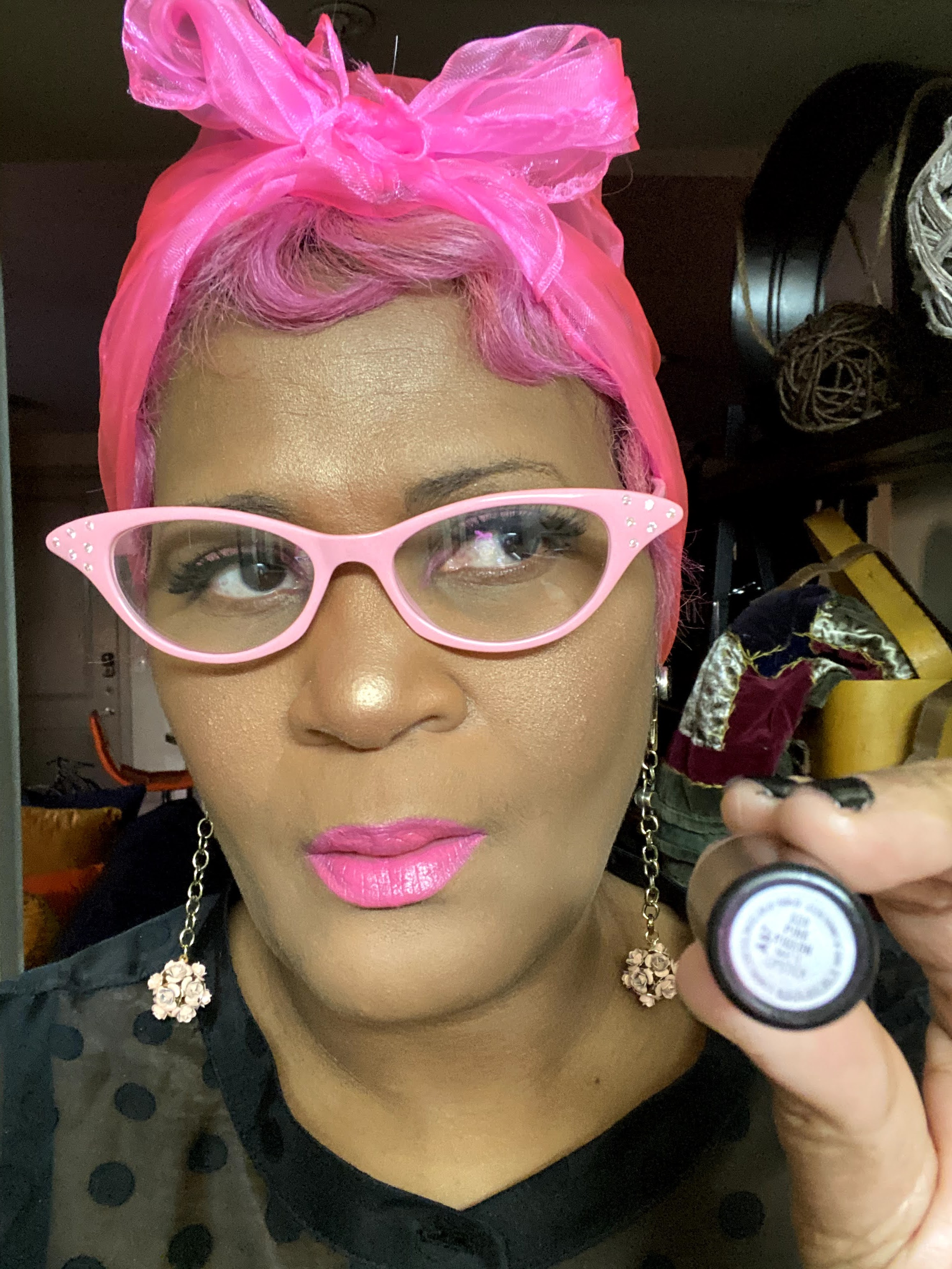 Tangie Bell sharing her review on Pink Pigeon Lipstick