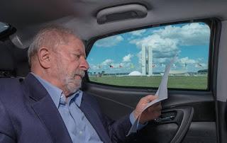 Lula venceria Bolsonaro por 58% a 25%, diz pesquisa Ipsos encomendada pelo DEM