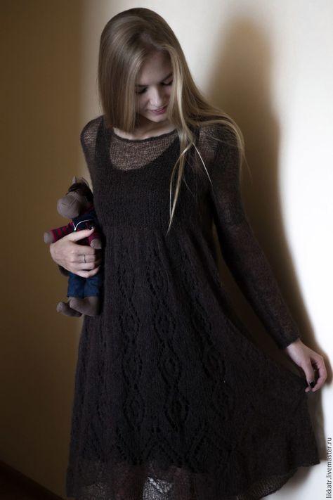 kaszmirowa sukienka na drutach