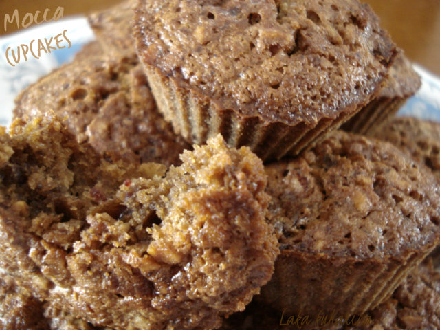 Mocca cupcakes with dried fruit by Laka kuharica: crunchy yet soft and chewy.