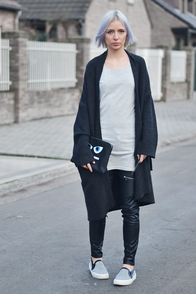 ootd, Mango oversized cardigan, wool, monster clutch, esprit, grey slip on, zara, celine inspired, long top, basic, leather pants, minimal, belgian, fashion blogger, belgische mode blogger