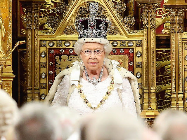 Fakta Istimewa Mahkota Prestisius Ratu Elizabeth II | Agen