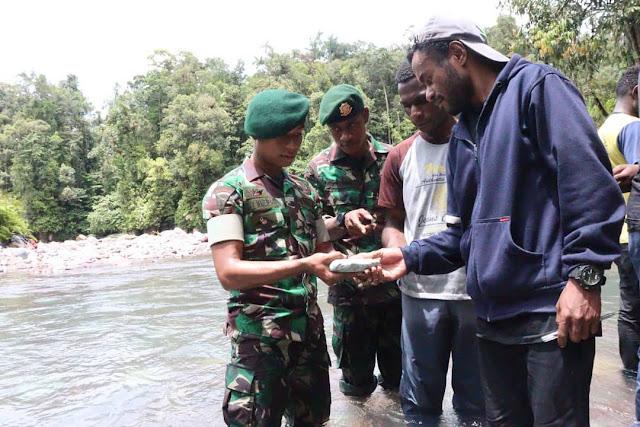 Tempuh 120 Km, Pelajar Papua Antusias Wisata Geologi di Kali Kiyura