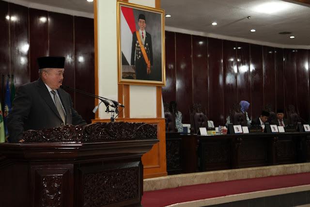 Gubernur Alex Noerdin Sampaikan Penjelasan Terkait 6 Raperda