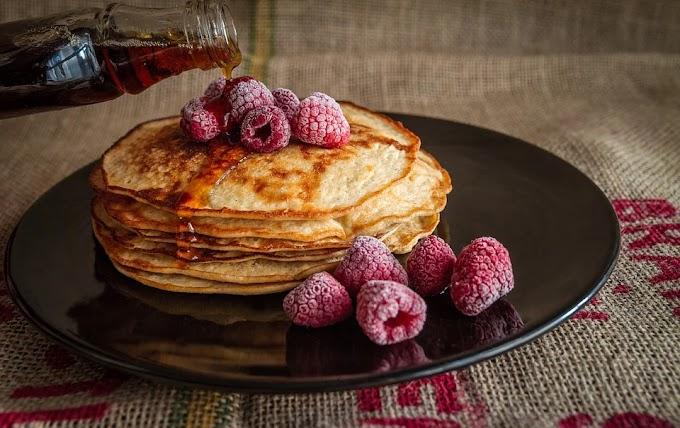 Pancakes ligeras con sirope de arce