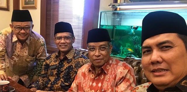 Pilkada Bisa Jadi Awal Keretakan Jokowi dengan NU dan Muhammadiyah