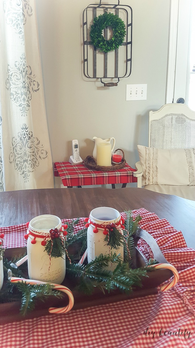 Find my secrets for achieving a designer handmade Christmas home on a budget right here at diy beautify!