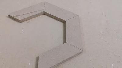 تجميع ألواح خشبية مقصوصة بزاوية 30 لعمل برواز شكل مضلع سداسية