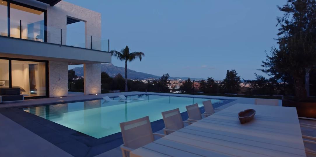 18 Interior Design Photos vs. Modern Villa La Alquería, Spain Tour