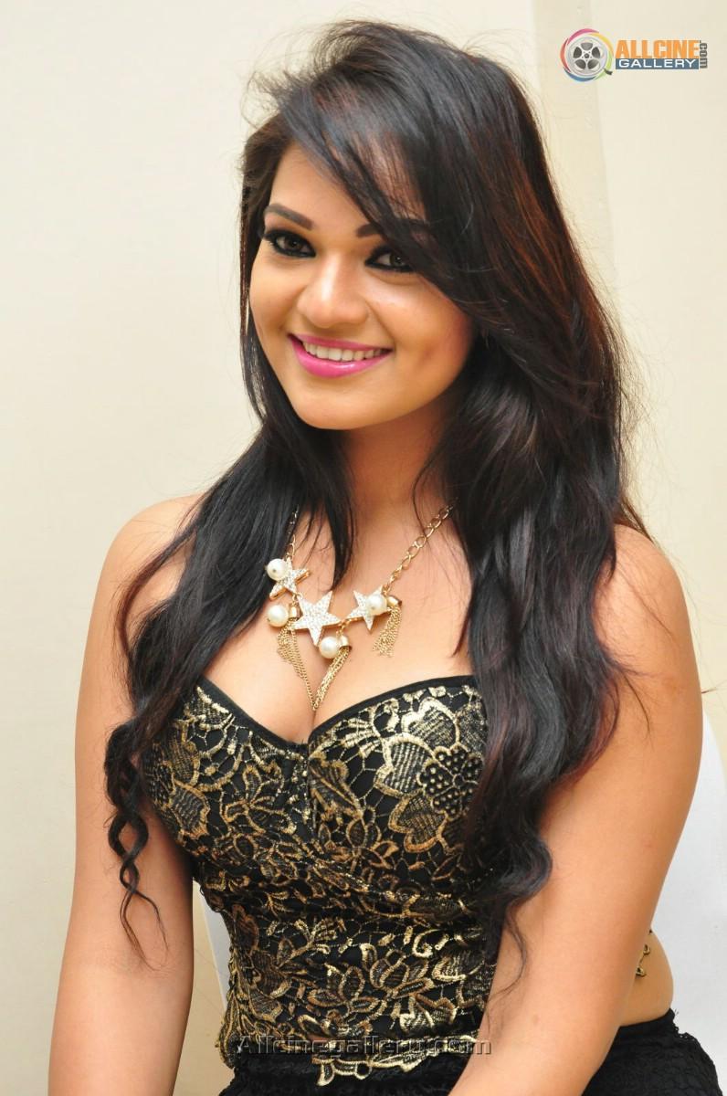 Ashwini Actress Hot Pi...